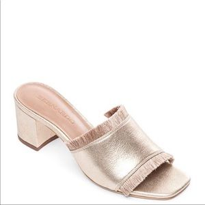 Bernardo Bryn Slide Sandal tan color size 9.5